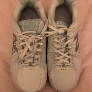 New Balance sneakers, EUC, 10 double wide
